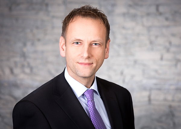 Über Nikolas Pietrzik Berater für Chemie und Biochemie Dr. Pietrzik